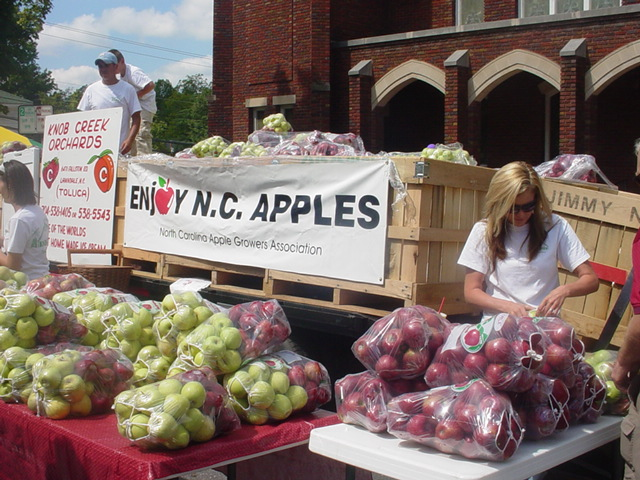 People selling apples